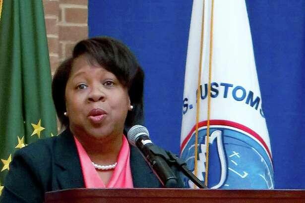 Cassandra Wheeler, directora de servicios de carrera en TAMIU, fue la oradora invitada en el evento Mes de la Historia Negra en el Centro Estudiantil Kazen LCC, el viernes. El evento fue organizado por Aduanas y Protección Fronteriza y se enfocó en la Crisis en la Educación Negra.