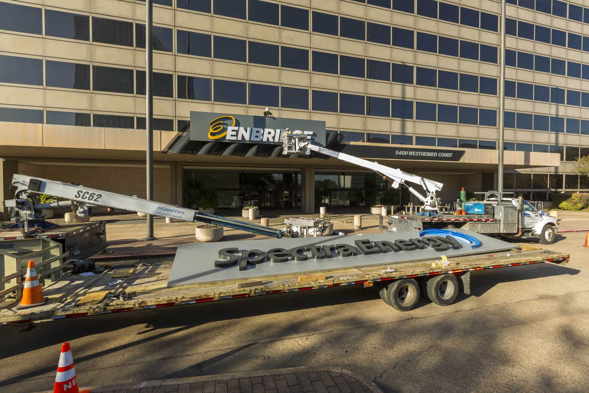 Enbridge completes buyout of Houston's Spectra Energy
