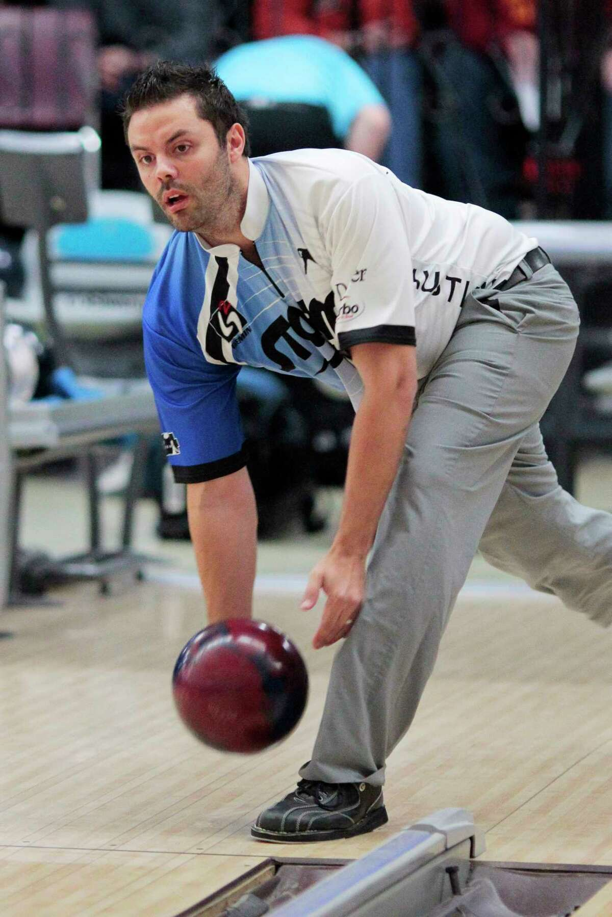 Two-handed bowler Jason Belmonte of Australia warms up before the start of the PBA U.S. Open at Carolier Lanes this afternoon. North Brunswick, NJ 2/26/11 (Tony Kurdzuk/The Star-Ledger)