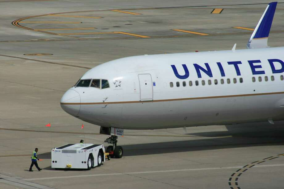 A United Airlines Boeing 767 gets a push back from its gate at Bush Intercontinental Airport in February 2017. Photo: Bill Montgomery