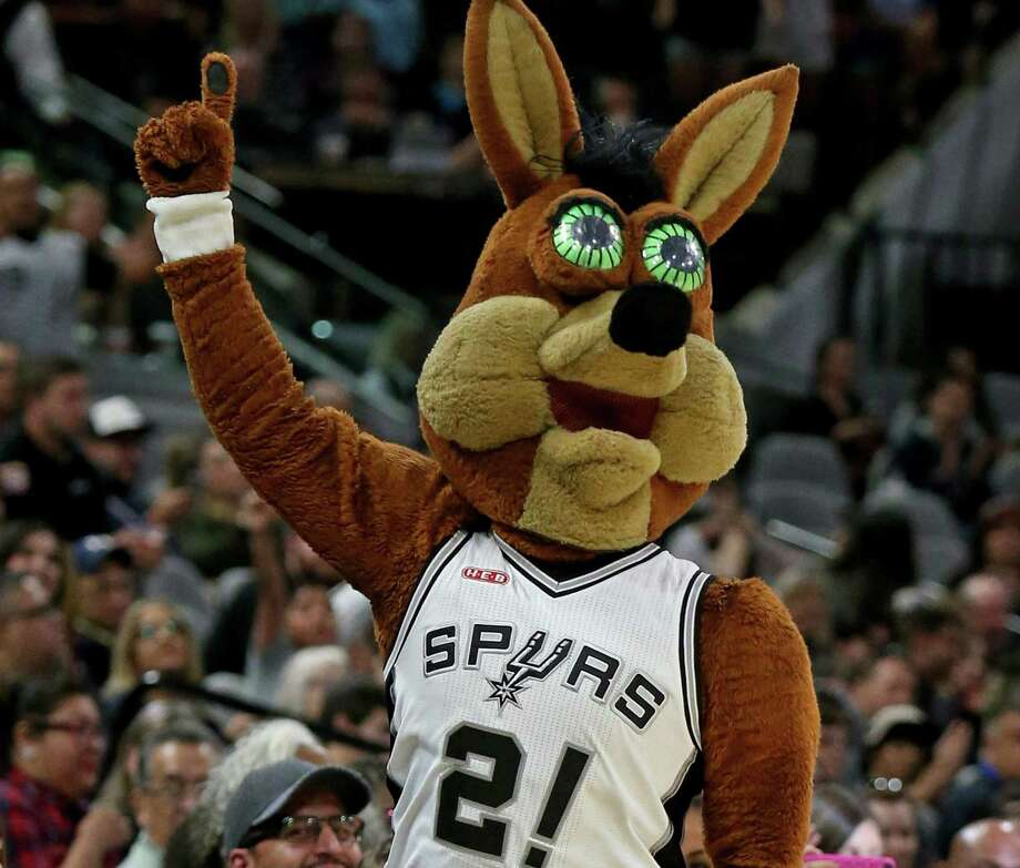 The San Antonio Spurs Coyote performs during the preseason game with the Houston Rockets Oct. 21, 2016, at the AT&T Center. The mascot is beloved by Spurs fans. Photo: Edward A. Ornelas /San Antonio Express-News / © 2016 San Antonio Express-News