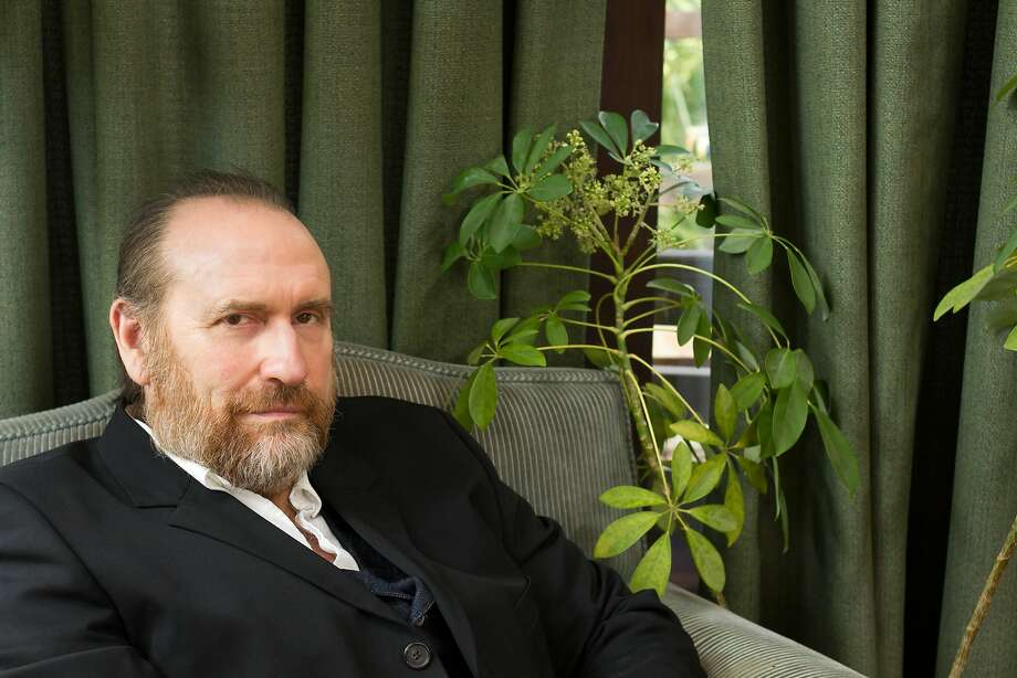 Musician Colin Hay Photo: Beth Herzhaft
