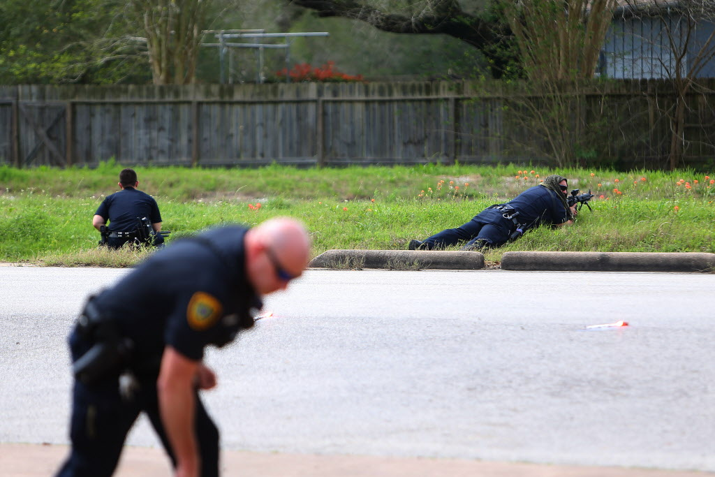 Suspect who wounded two Houston police officers was apparently