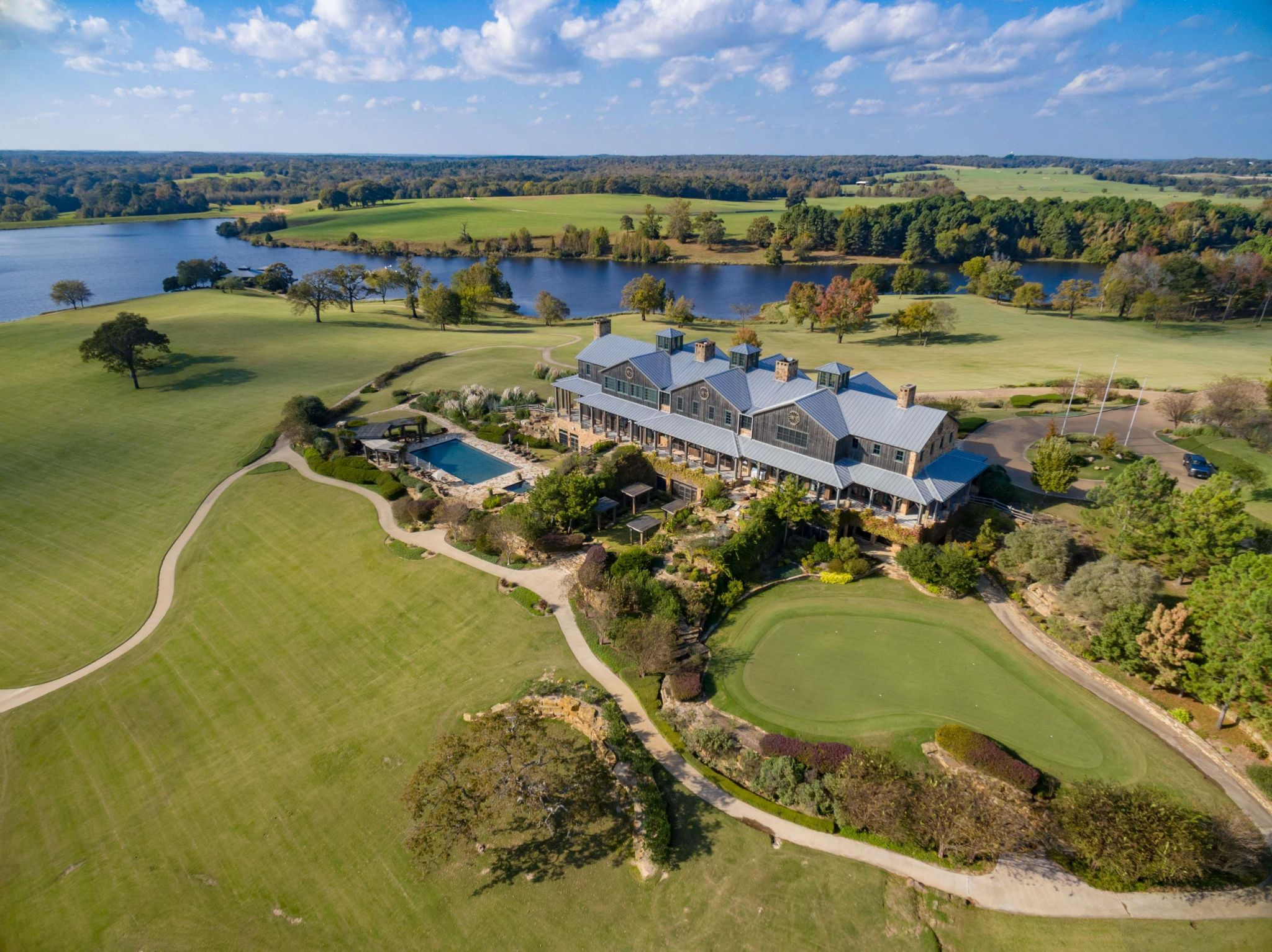 Sprawling Barefoot Ranch For Sale Southeast Of Dallas