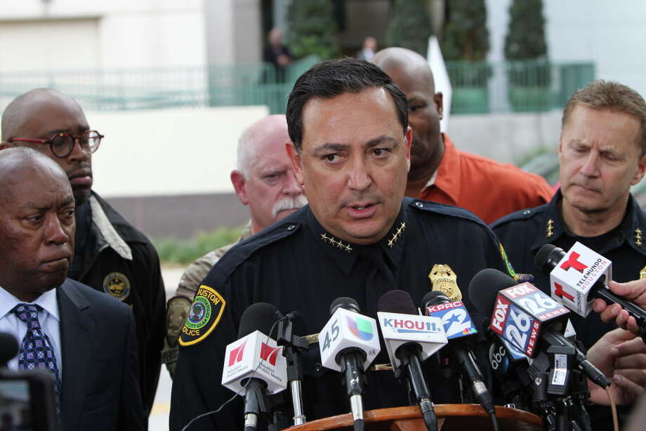 Police Chief Art Acevedo addresses the media outside Memorial Hermann after two Houston police officers were shot and wounded Tuesday, Feb. 28, 2017 while investigating a potential burglary in southwest Houston. One suspect was killed but another fled the scene, leading to a police manhunt and a lockdown of the neighborhood near Bellfort and Beltway 8.  Photo: Steve Gonzales, Houston Chronicle / © 2017 Houston Chronicle