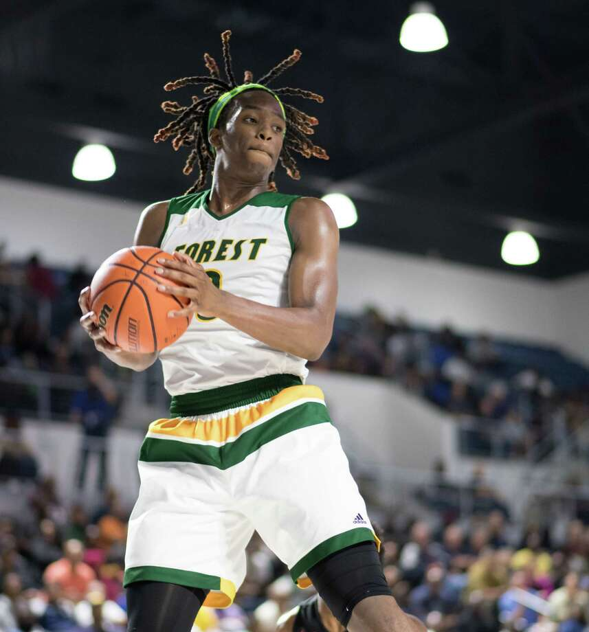 Cedrick Alley (0) of the Klein Forest Eagles signed a national letter of intent to play for the Cougars beginning next season. Photo: Wilf Thorne, For The Chronicle / © 2017 Houston Chronicle