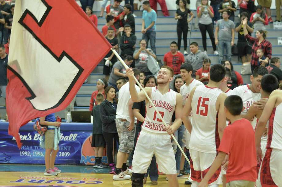 Martin advanced to the regional semifinals last season and with three returning starters the Tigers will once again be one of the favorites in District 31-5A. Photo: Bud Denega / Laredo Morning Times File