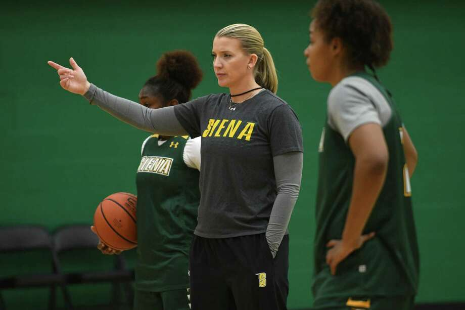 Siena women's basketball coach Ali Jaques, center, goes over a drill during practice at Siena College on Tuesday, Nov. 8, 2016 in Loudonville, N.Y. (Lori Van Buren / Times Union) Photo: Lori Van Buren / 20038725A