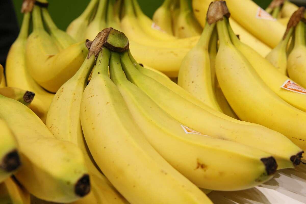 Bananas (1 lb.) Aldi price:$0.44 Walmart price:$0.47 - $0.59 Source:Reuters
