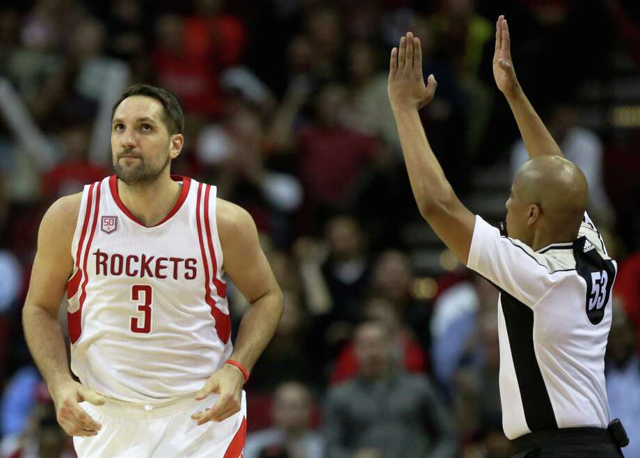 Houston Rockets forward Ryan Anderson (3) makes a three-pointer during the second half of the game Wednesday, Feb. 15, 2017, in Houston. The Rockets lost to the Heat 117-109. ( Yi-Chin Lee / Houston Chronicle ) Photo: Yi-Chin Lee, Staff / © 2017  Houston Chronicle