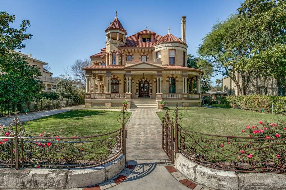 "The home at 425 King William St. is known as ""The Kalteyer House"" is one many Fiesta-goers have stood before during King William Fair celebrations. For $2.7 million, it can be yours. Photo: Courtesy, Phyllis Browning Co."