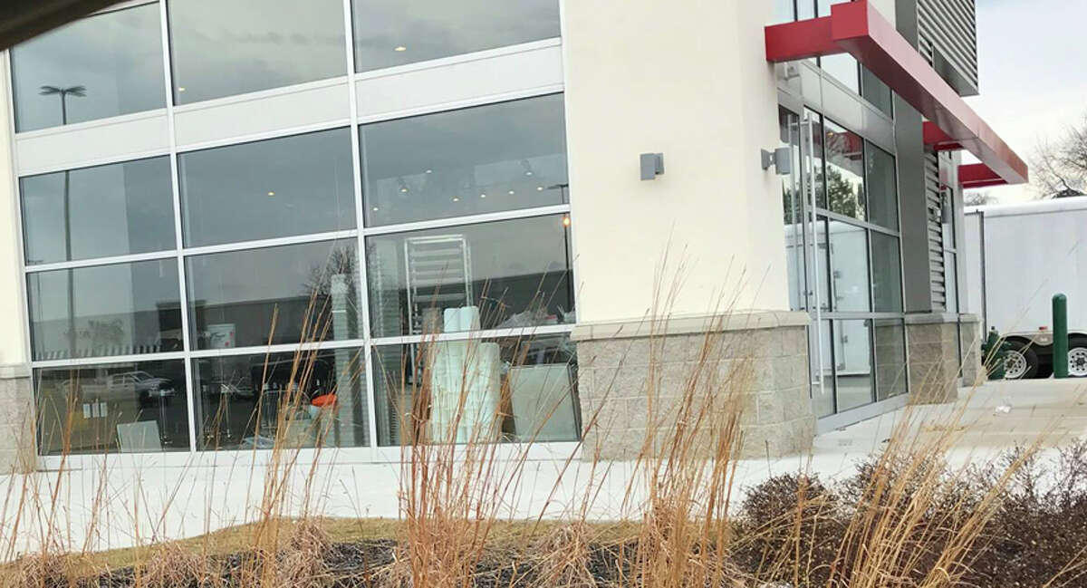 Noodles & Co.There were two locations,Crossgates Commons in Albany and the Shoppes at Latham Circle. Both closed in early March, 2017 after the company announced it would be closing 55 underperforming locations nationwide.