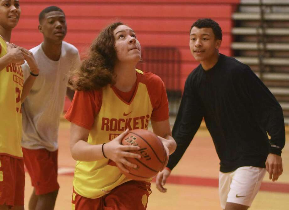Sophomore Kyra White was at her best during the regional tournament, helping the Rockets earn their first trip to state. Photo: Billy Calzada / San Antonio Express-News / San Antonio Express-News