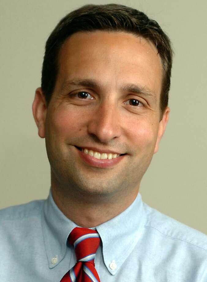 Bob Duff Photo: Tim Wolf / / Connecticut Senate Democrats
