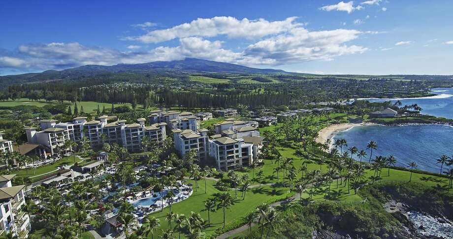 The 24 Acre Montage Kapalua Bay In West Maui Has Terraced Pools And Open  Spaces