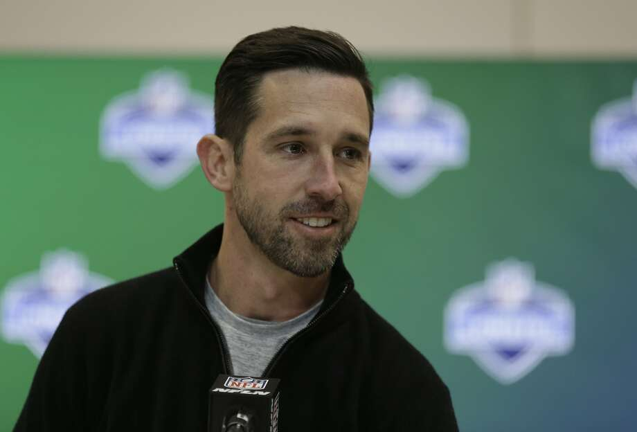 "Kyle Shanahan on his pregame routine: ""It's not always the most fun thing to get into, but once I do, I feel ready to go."" Photo: Michael Conroy, Associated Press"