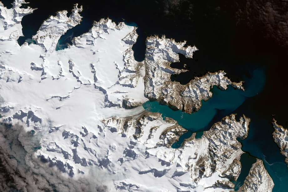 On Sept. 14, 2016, the Operational Land Imager (OLI) on Landsat 8 captured natural-color images of South Georgia Island, where several glaciers are in retreat. (Image Credit: NASA Earth Observatory images by Joshua Stevens, using Landsat data from the U.S. Geological Survey)