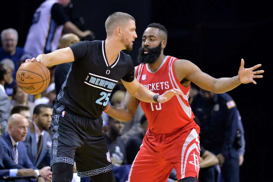 Memphis Grizzlies forward Chandler Parsons (25) controls the ball against Houston Rockets guard James Harden (13) in the first half of an NBA basketball game Saturday, Jan. 21, 2017, in Memphis, Tenn. (AP Photo/Brandon Dill) Photo: Brandon Dill, FRE / FR171250 AP