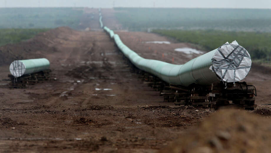 This 42-inch natural gas pipeline was being installed last August near Alpine, in West Texas. Photo: John Davenport, Staff / ©San Antonio Express-News/John Davenport