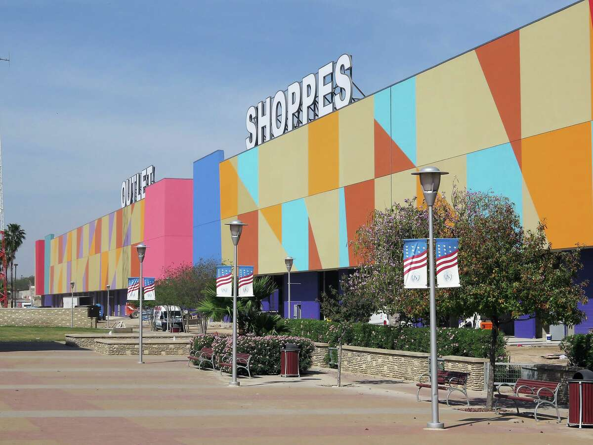 A potential amendment to the sales tax agreement with the Outlet Shoppes at Laredo is scheduled to be discussed at Tuesday's Laredo City Council meeting.