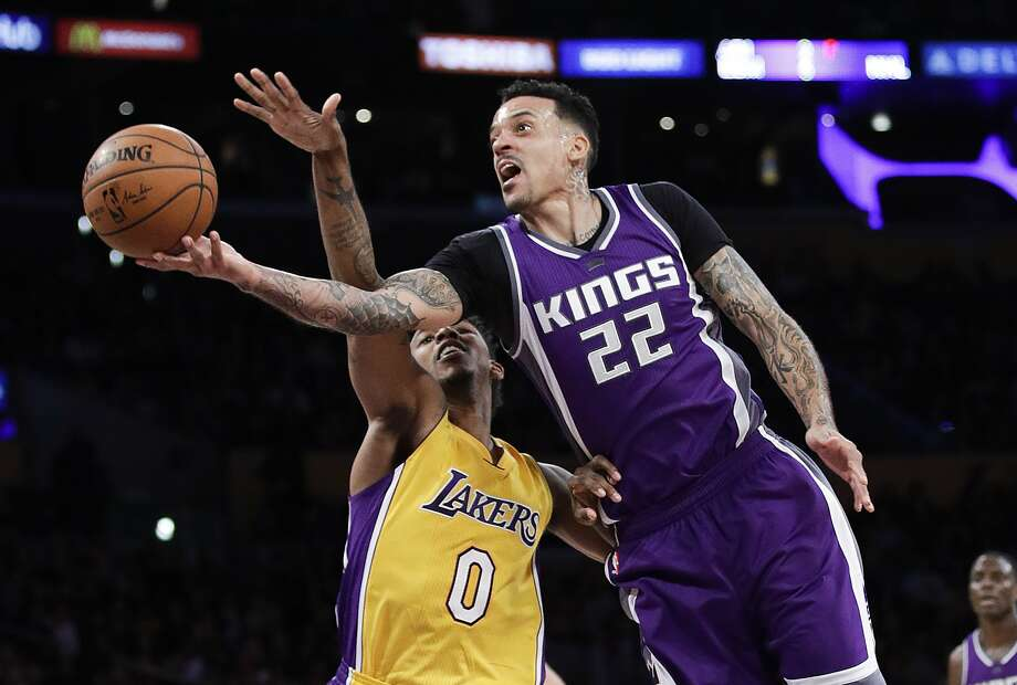 Sacramento Kings' Matt Barnes, right, shoots next to Los Angeles Lakers' Nick Young during the second half of an NBA basketball game, Tuesday, Feb. 14, 2017, in Los Angeles. The Kings won 97-96. (AP Photo/Jae C. Hong) Photo: Jae C. Hong, Associated Press