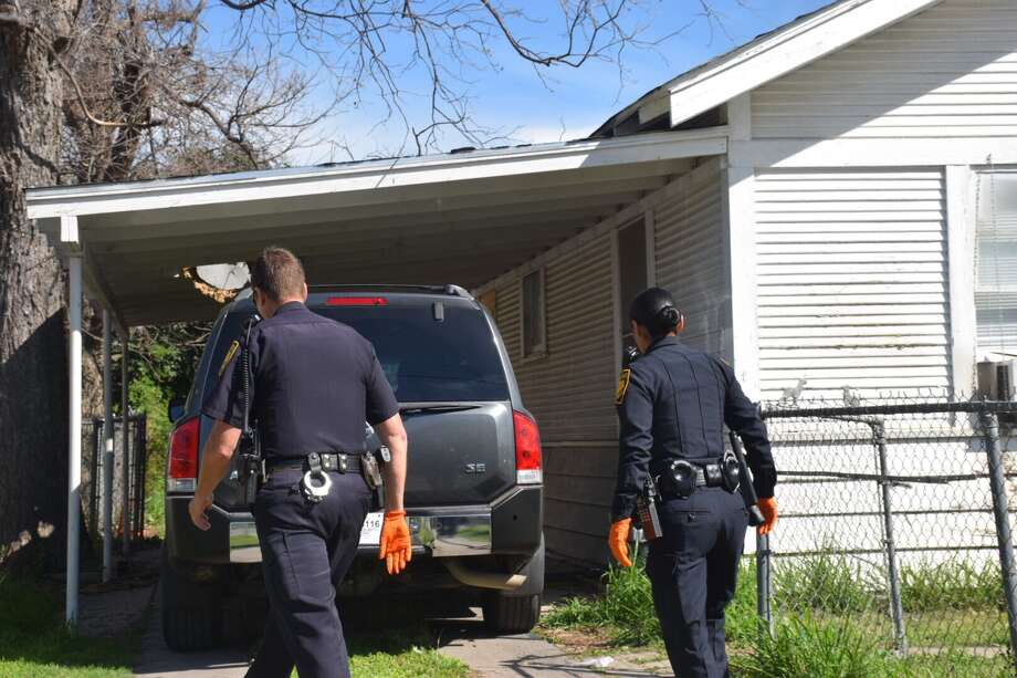 A woman was stabbed in the face Thursday, March 2, 2017, by a home invader who waited for her to return to her West Side home and tried to rob her. Photo: Caleb Downs / San Antonio Express-News