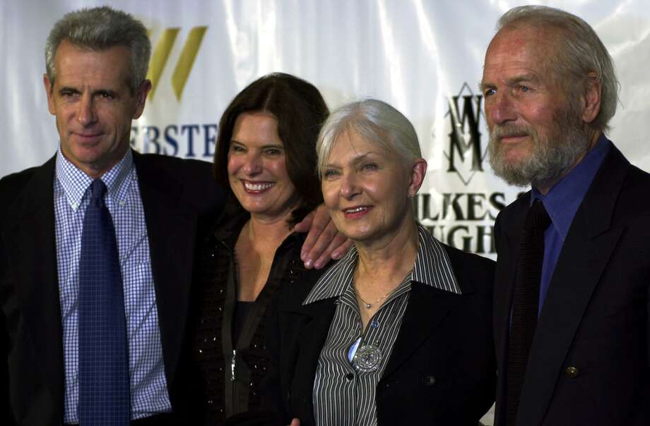 James Naughton and wife Pam, at left, and Joanne Woodward and husband Paul Newman, at right. Pamela Naughton died from pancreatic cancer in 2013. Photo: Christian Abraham / Hearst Connecticut Media File / Connecticut Post file photo