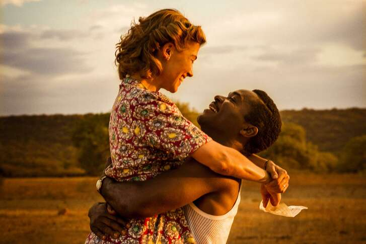 "David Oyelowo as Seretse Khama and Rosamund Pike as Ruth Williams in ""A United Kingdom."""