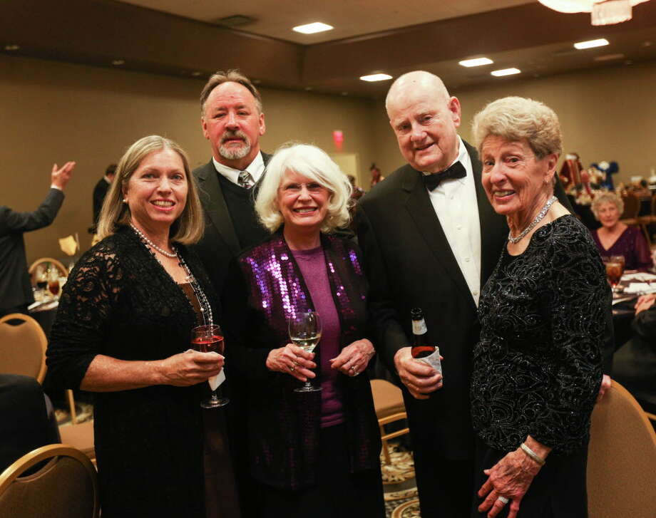 From the left: Debra Bates, Robert Bates, Marie Underdown, Doc Fennessy and Carol Fennessy pose for a photo during The Players 50th Anniversary Gala on Saturday, Feb. 25, 2017, at La Torretta Lake Resort & Spa. Photo: Michael Minasi, Staff Photographer / © 2017 Houston Chronicle