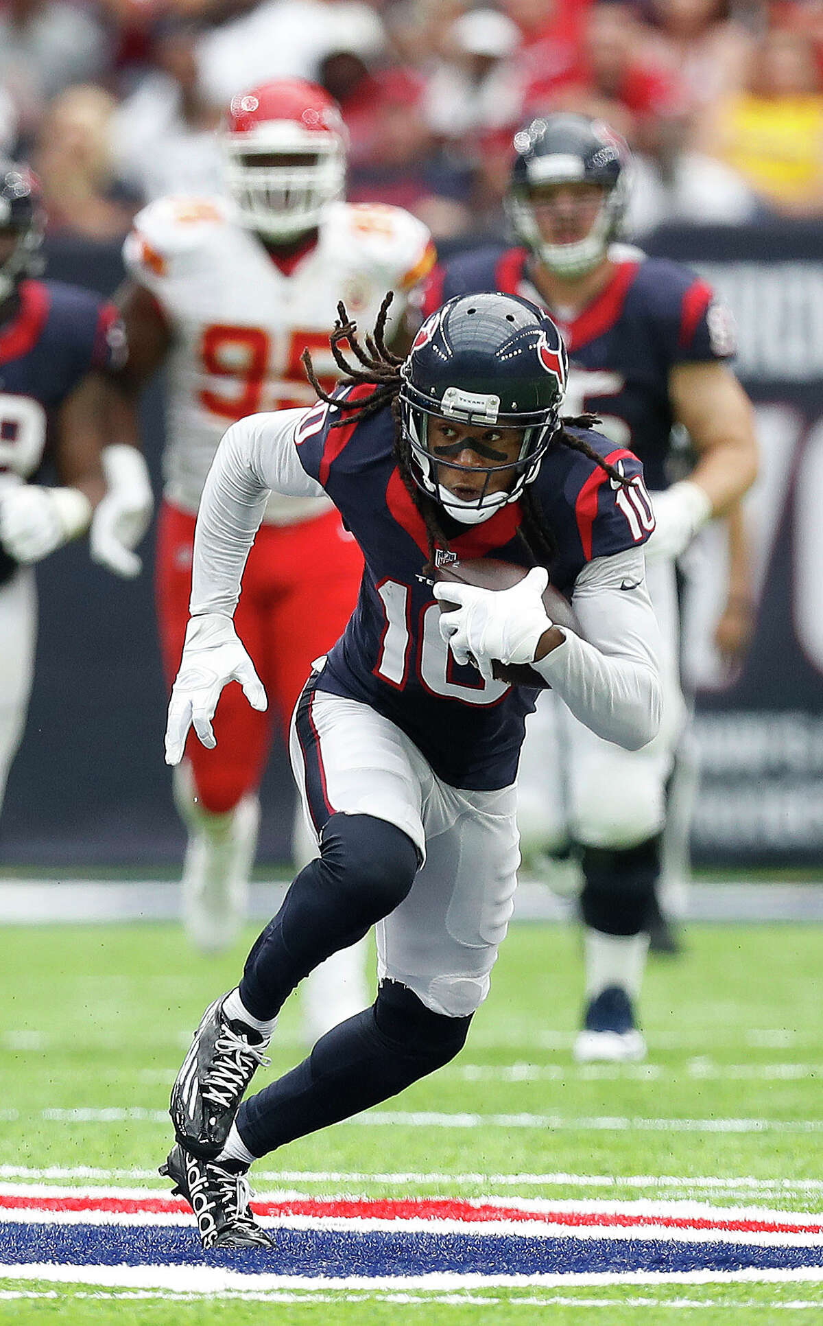 The Texans hope to work out a contract extension with DeAndre Hopkins.