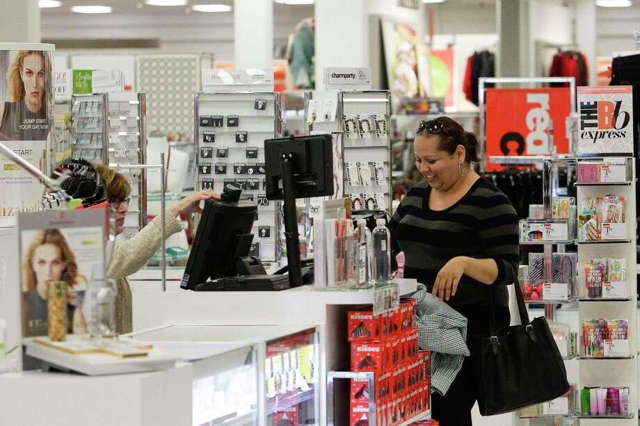 Stage's turnaround strategy includes plans to roll out smaller-format cosmetic counters with Clinique and Estee Lauder. Photo: Michael Ciaglo, Staff / © 2016  Houston Chronicle