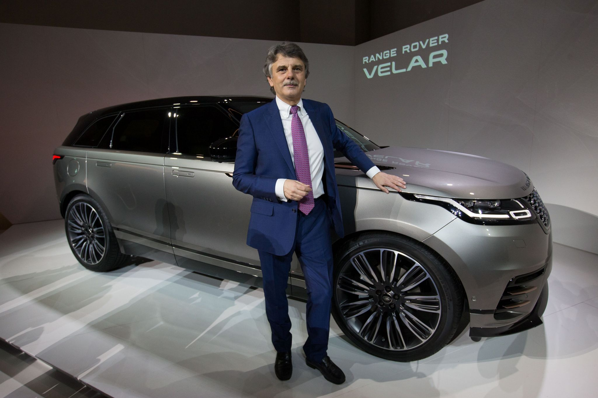 Land Rover introduces the 2018 Range Rover Velar