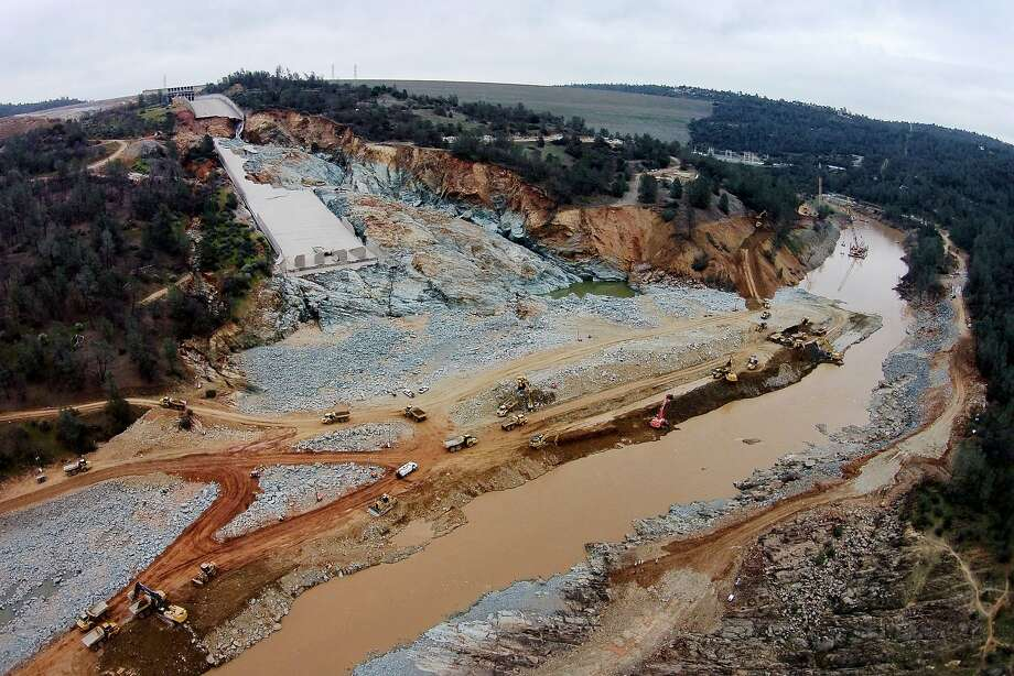 The spillway at Oroville Dam fractured last February, prompting a $500 million-plus repair effort. Photo: Santiago Mejia, The Chronicle