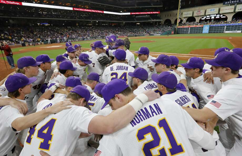 The LSU Tigers huddle before taking the field during the NCAA baseball game between the LSU Tigers and the TCU Horned Frogs at Minute Maid Park in Houston, TX on Friday, March 3, 2017. Photo: Tim Warner/For The Chronicle