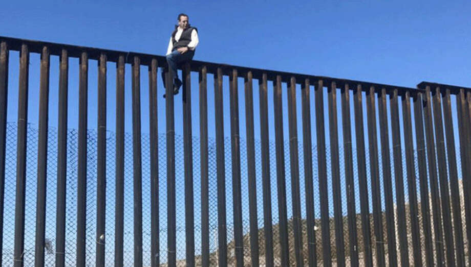 A Mexican congressman taunts Trump about borderA Mexican congressman went to some heights to attack Donald Trump about a proposed border wall. Photo: Braulio Guerra