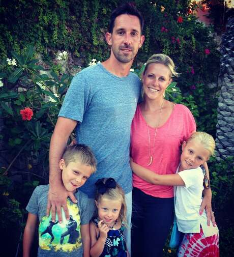 New 49ers head coach Kyle Shanahan relaxes with his wife, Mandy, and their children, Carter, 7, Lexi, 4, and Stella, 9. Photo: Shanahan Family / Shanahan family