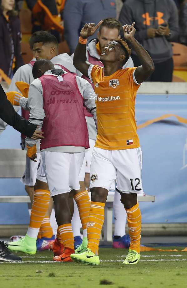 Romell Quioto, who injured his shoulder playing for Honduras on March 24, is back in the Dynamo's starting XI for the first time since March 18. Photo: Karen Warren/Houston Chronicle