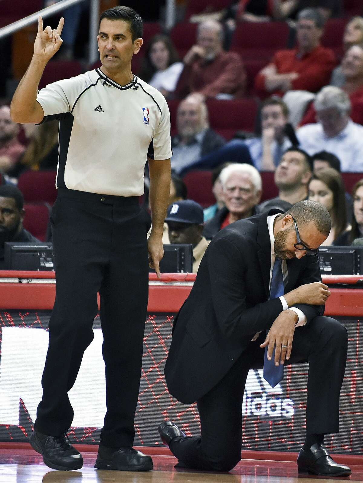 Memphis Grizzlies coach David Fizdale, right, reacts after guard Toney Douglas committed his fifth foul, during the second half of an NBA basketball game against the Houston Rockets, Saturday, March 4, 2017, in Houston. Houston won 123-108. (AP Photo/Eric Christian Smith)