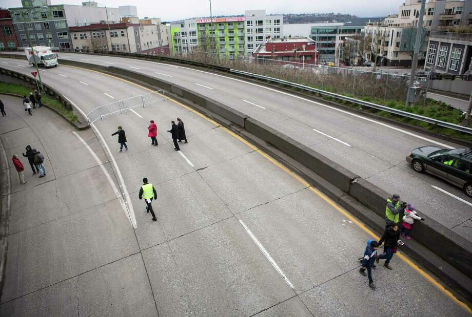 The Alaskan Way Viaduct -- a portion of state Route 99 -- will be closed this weekend for its annual inspection. Photo: Lindsey Wasson, Seattlepi.com / Other