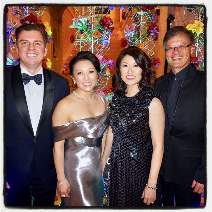 Tony and Cori Bates (left) with Akiko Yamazaki and her husband, Jerry Yang, at the Asian Art Museum Gala. March 2, 2017.