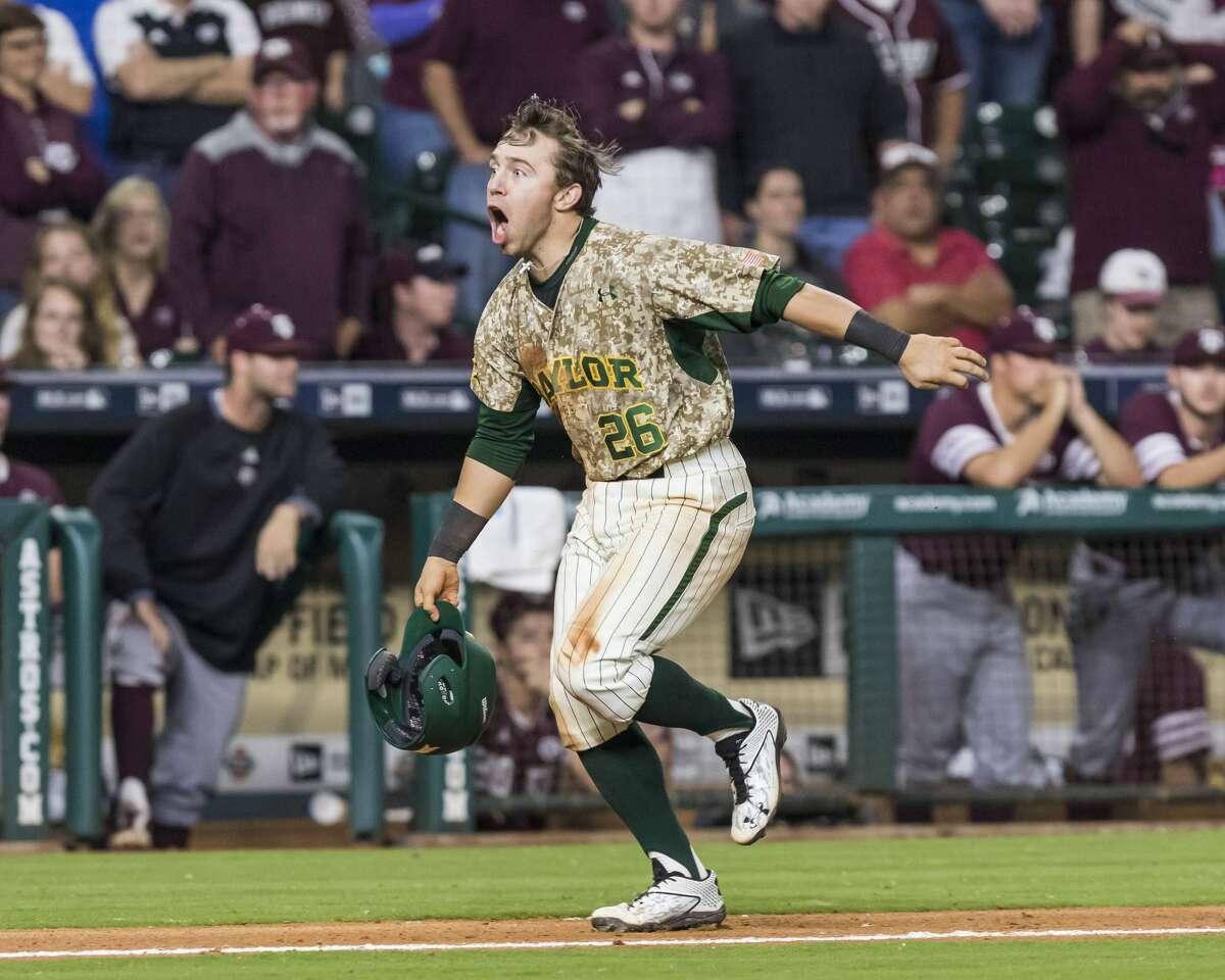 Baylor shortstop Tucker Cascadden (26) hits a walk-off three run homerun to beat Texas A&M during a NCAA baseball game at Minute Maid Park on Sunday, Mar. 5, 2017, in Houston. (Joe Buvid / For the Houston Chronicle)