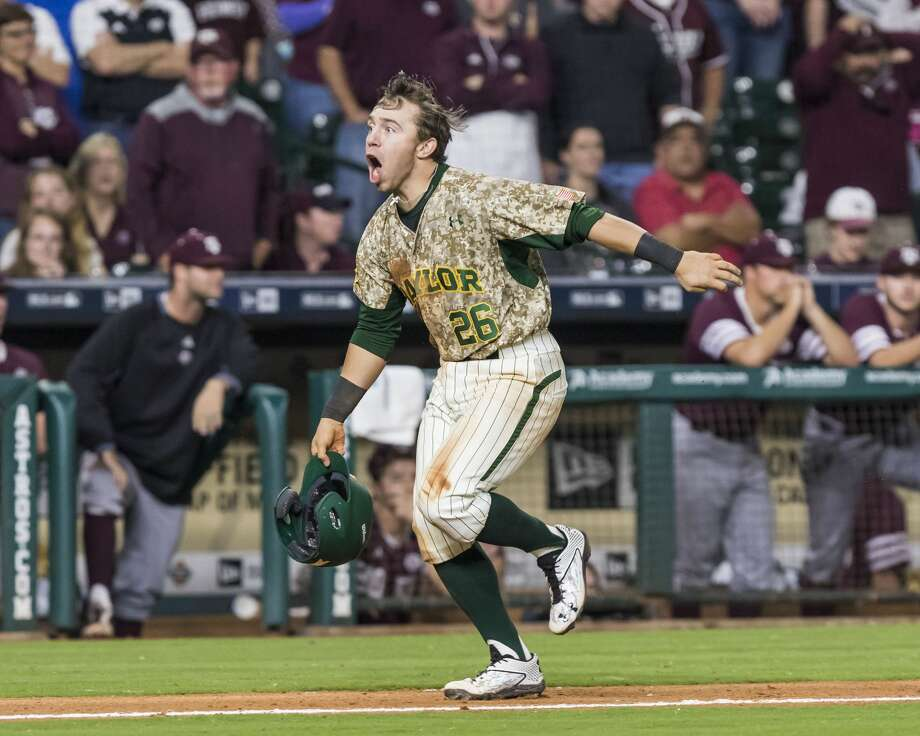 Baylor shortstop Tucker Cascadden (26) hits a walk-off three run homerun to beat Texas A&M during a NCAA baseball game at Minute Maid Park on Sunday, Mar. 5, 2017, in Houston. (Joe Buvid / For the Houston Chronicle) Photo: Joe Buvid/For The Houston Chronicle
