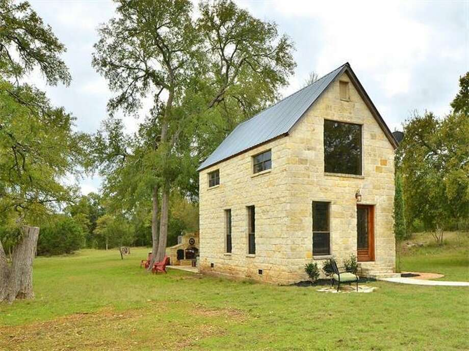 A one-room cottage in Dripping Springs, Texas was the belle of the ball recently on Realtor.com, but this isn't just any cottage. It comes with a price tag of just over half a million dollars and is set in the heart of the Hill Country. Photo: Austinhomegirlsrealty.com