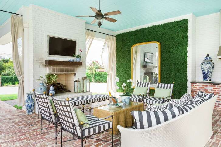 Jamie House of Jaime House Design made the outdoor space feel more indoorsy at The Woodlands home of Paige and Matt Hammit.