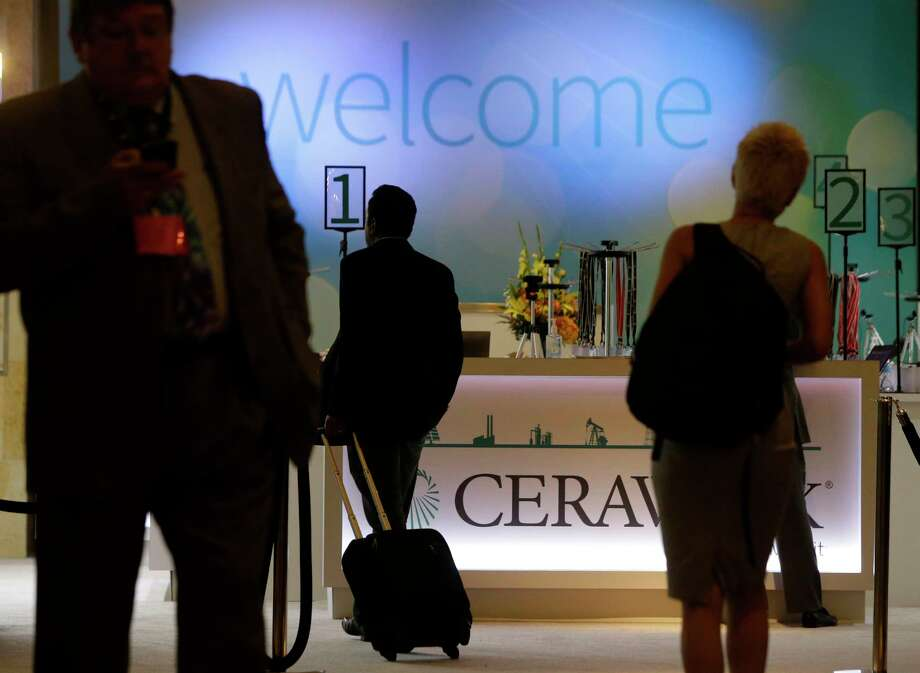 People are shown in the lobby during CERAWeek at the Hilton Americas,1600 Lamar St., Monday, March 6, 2017, in Houston. Photo: Melissa Phillip, Houston Chronicle / © 2017 Houston Chronicle