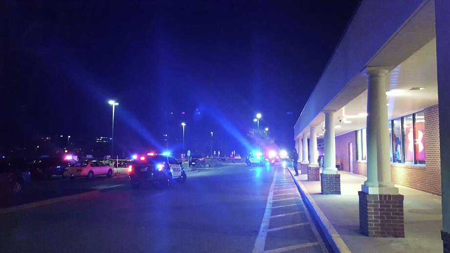 Norwalk police closed off the parking lot of Stop & Shop on Main Avenue on Monday night after a suspicious item was left there. The Stamford police bomb squad was called in, and the scene was clear a little after 9 p.m. Photo: Thane Grauel / Thane Grauel / Hearst Connecticut Media