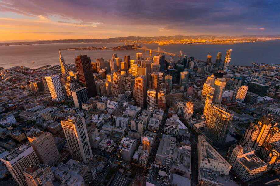 San Francisco Skyline city - Piriya Photography / Getty Images