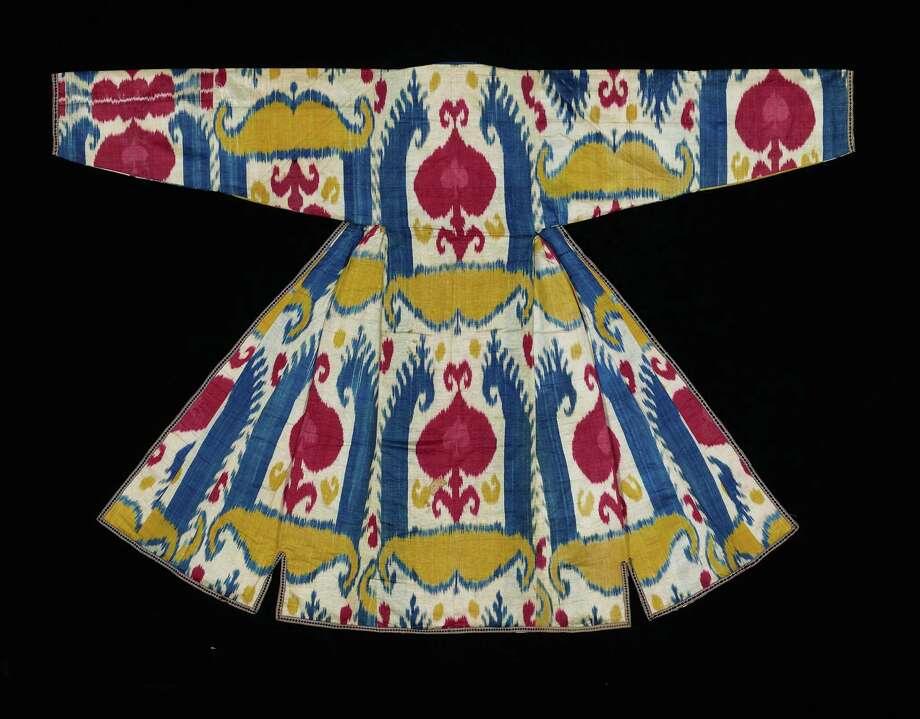 Late nineteenth-century woman's robe, made of silk and cotton, from Central Asia, Uzbekistan, Bukhara.  Photo: Renée Comet, Www.cometphoto.com / © Renée Comet 2008