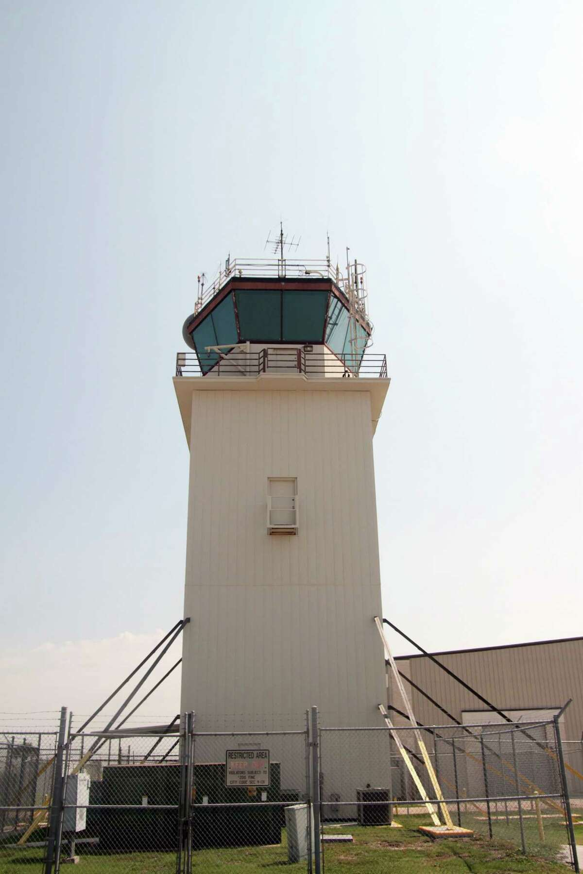 The original control tower at Ellington Field, still in operation, will be retired once the new one is built. Photo by Pin Lim.