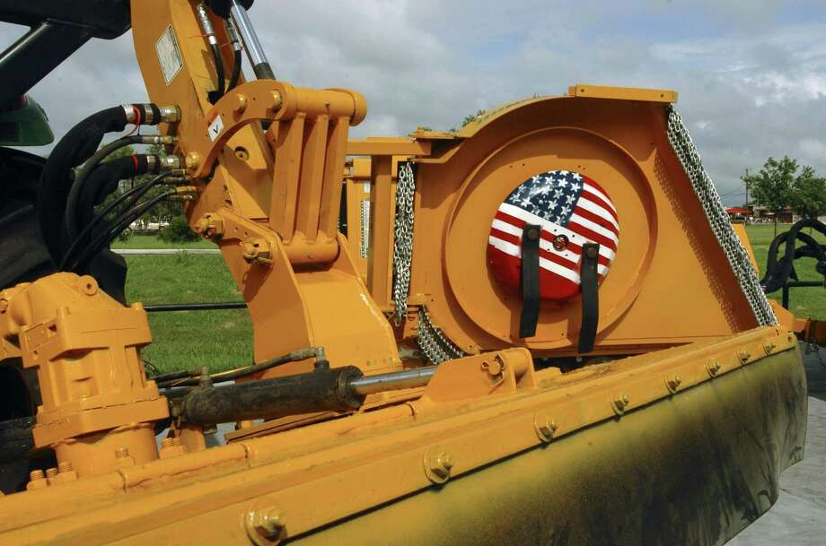 Alamo Group announced Tuesday it had made the $13.2 million purchase of a Canadian snow equipment manufacturer. Photo: San Antonio Express-News File Photo / SAN ANTONIO EXPRESS-NEWS